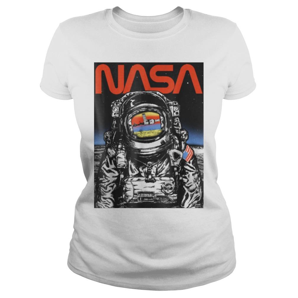 Baron Davis – NASA Astronaut Moon Reflection Vintage Retro Graphic Ladies Tee