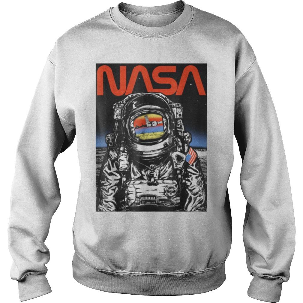Baron Davis – NASA Astronaut Moon Reflection Vintage Retro Graphic Sweater