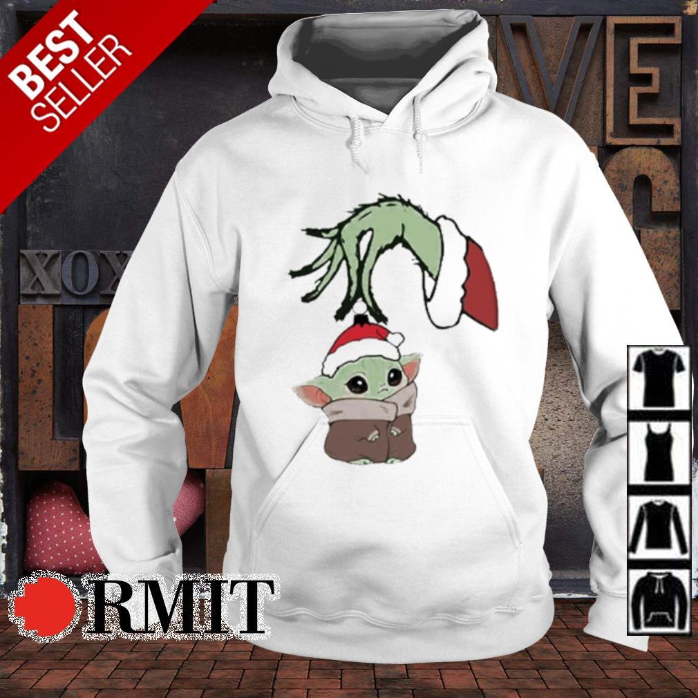 Grinch hand holding Baby Yoda Christmas s hoodie